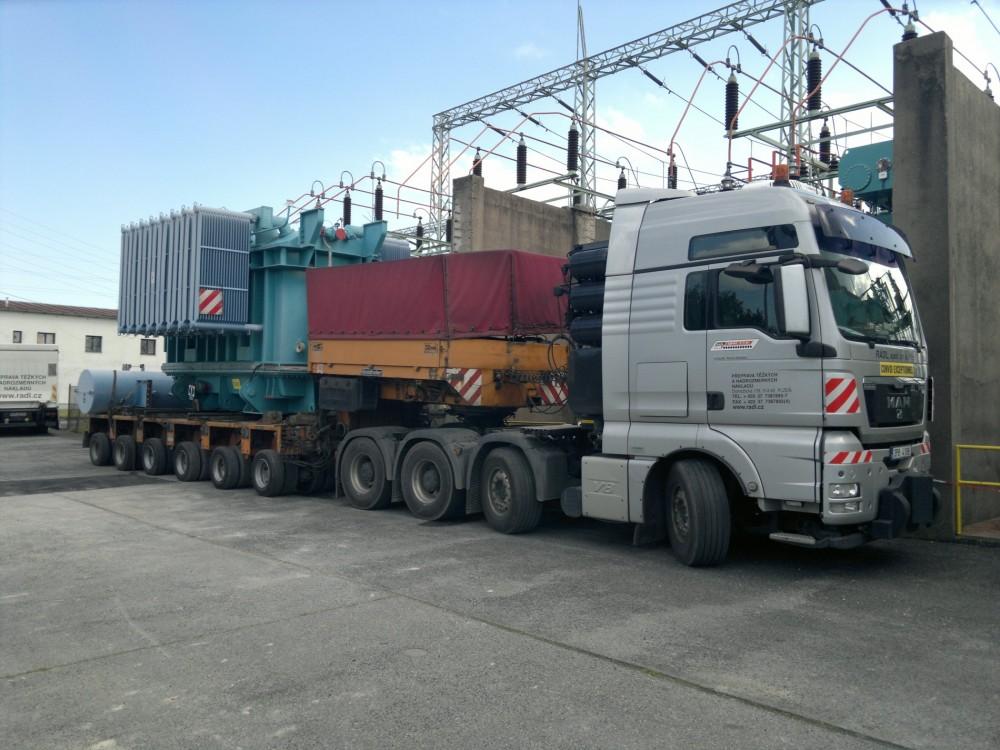 Přeprava trafa Toušeň - Brno